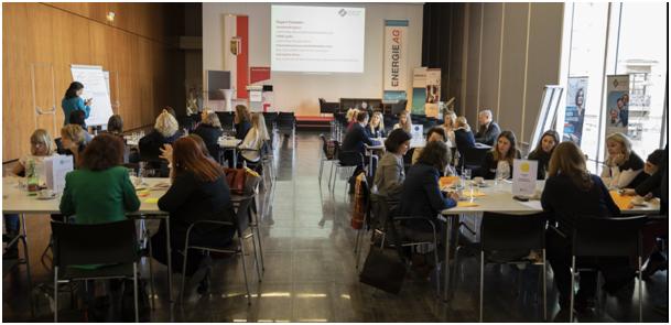 Ministerin Juliane Bogner-Strauß bei der Auftaktveranstaltung Woman Empowerment